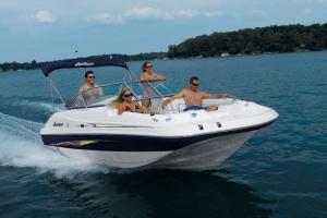 10002, 20'/21' Bowrider Deckboat