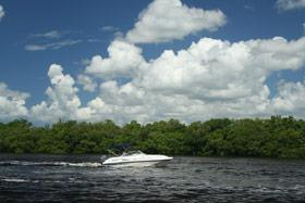 Eight tips for boat rentals in Florida